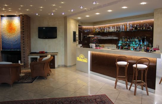 Bar del hotel Mediterranee Family & Spa Hotel