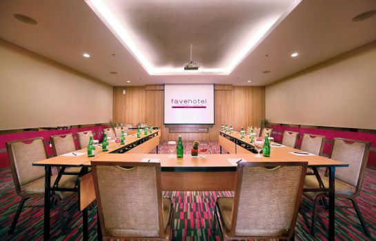 Meeting room favehotel LTC Glodok