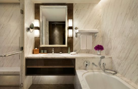 Bagno in camera Midtown Shangri-La Hangzhou