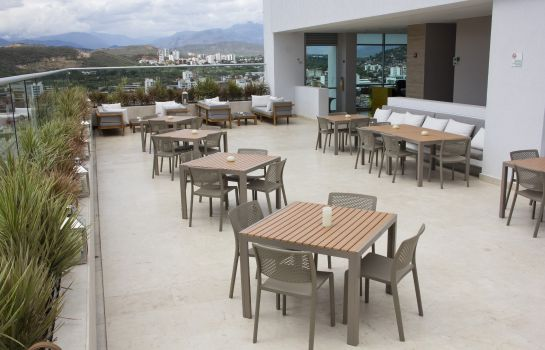 Bar hotelowy Holiday Inn CUCUTA