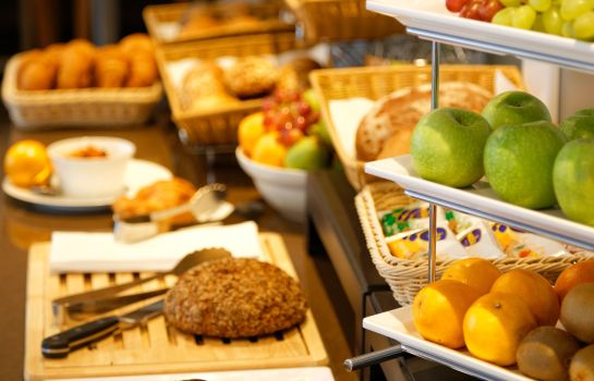 Breakfast buffet GHOTEL hotel & living Essen
