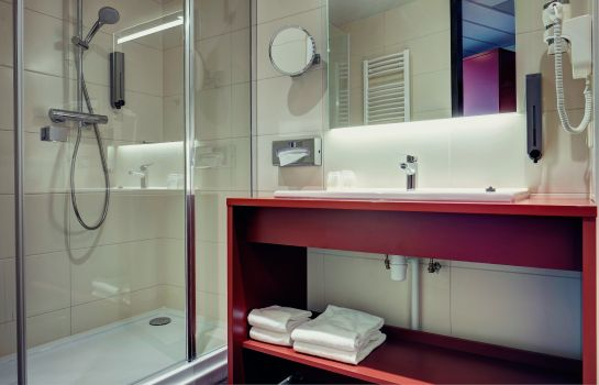 Bathroom Best Western Plus Amedia Amsterdam Airport