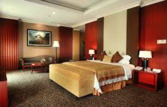 Junior suite Grand Clarion Hotel & Convention Makassar