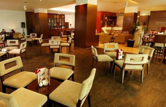 Restaurant Grand Clarion Hotel & Convention Makassar