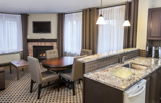 Suite Holiday Inn Express & Suites TREMBLANT