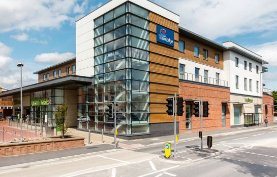Vista exterior TRAVELODGE EGHAM