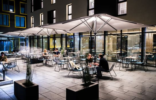 Terrace Holiday Inn Express KARLSRUHE - CITY PARK