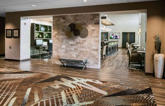 Hall Hampton Inn - Suites-Hudson WI