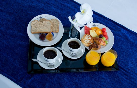 Breakfast buffet Grand Luxor Hotel Includes Terra Mítica® Theme Park Tickets