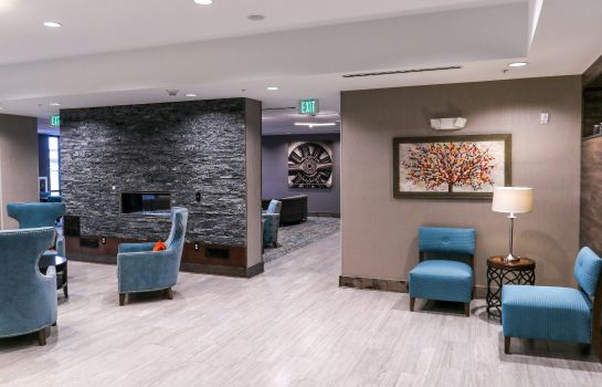 Lobby Holiday Inn & Suites DENVER TECH CENTER-CENTENNIAL