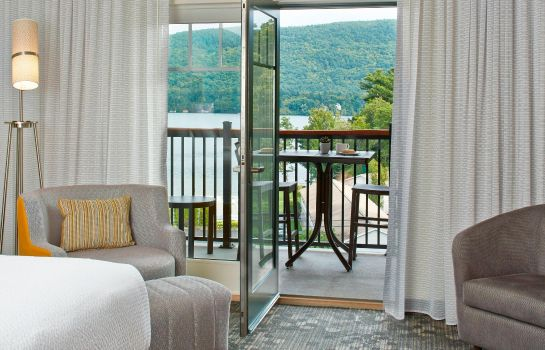 Chambre Courtyard Lake George