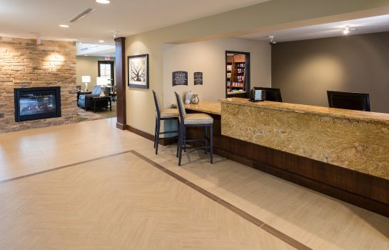 Vestíbulo del hotel Staybridge Suites OMAHA WEST