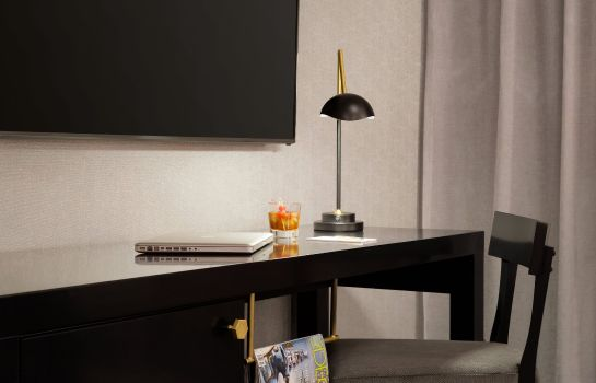 Chambre Hotel LeVeque Autograph Collection