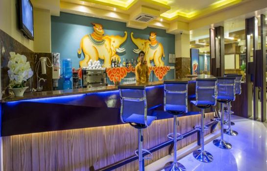 Hotel-Bar Yatri Suites & Spa