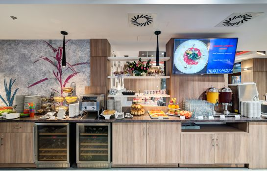 Breakfast buffet Golden Tulip Krakow Kazimierz