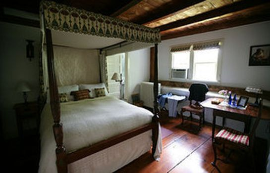 Room HURLEY STONE HOUSE