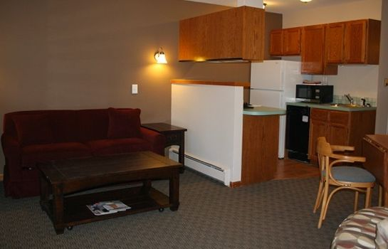 Suite STREAMSIDE ON FALL RIVER