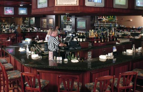 Hotel bar SEVEN FEATHERS CASINO RESORT