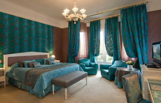 Room Hotel Barriere Le Westminster