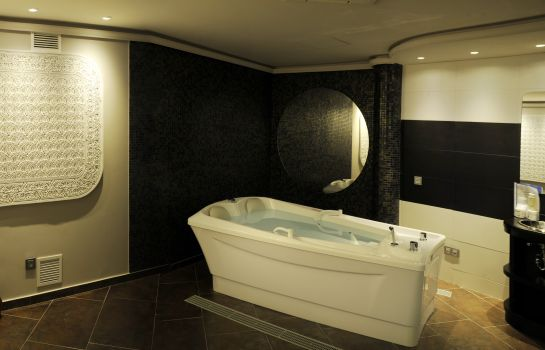 Whirlpool CUMBRIA SPA & HOTEL