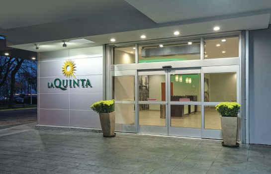 Vista esterna La Quinta Inn & Suites by Wyndham Chicago - Lake Shore