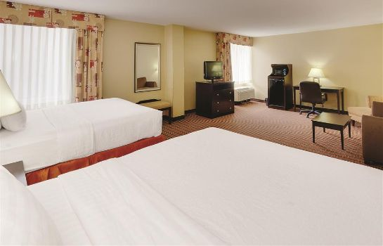 Suite LA QUINTA INN STE PITTSBURGH N. MCKNIGHT
