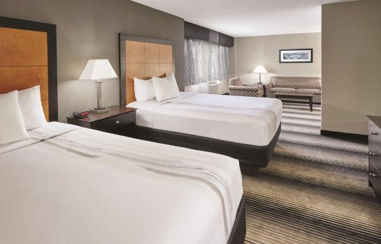 Camera La Quinta Inn & Suites by Wyndham Chicago - Lake Shore