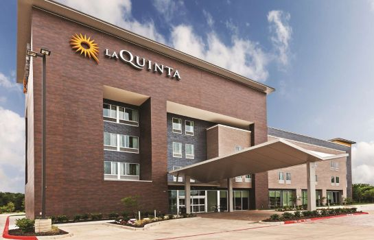 Exterior view La Quinta Inn Ste College Station South