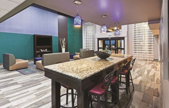 Hall La Quinta Inn and Suites Denison - North Lake Texoma