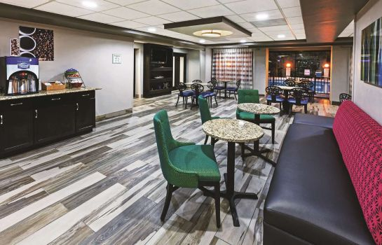 Restaurant La Quinta Inn Ste North Lake Texoma