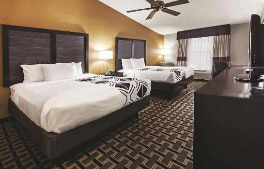 Camera La Quinta Inn and Suites Denison - North Lake Texoma