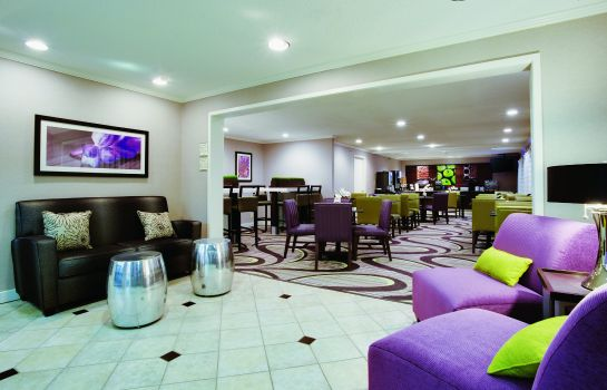 Hol hotelowy La Quinta Inn and Suites Harrisburg Airport Hershey