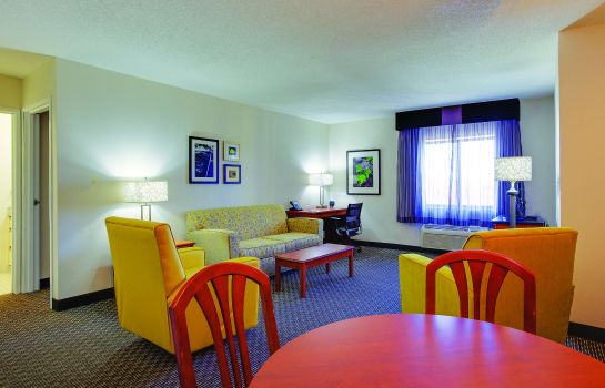 Suite La Quinta Inn and Suites Harrisburg Airport Hershey