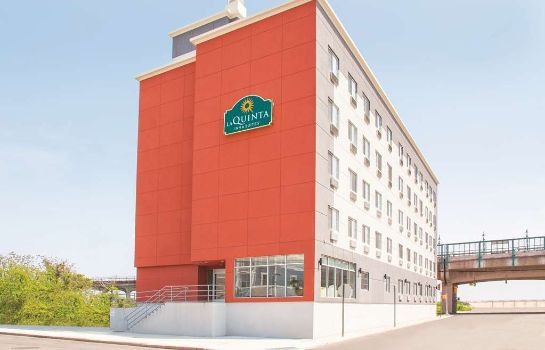 Außenansicht La Quinta Inn and Suites Far Rockaway - JFK Airport