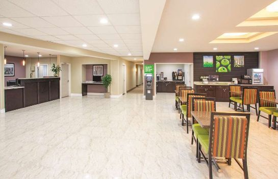 Hotelhalle La Quinta Inn and Suites Far Rockaway - JFK Airport