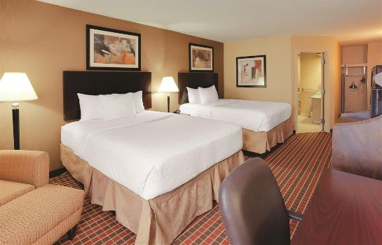 Zimmer LA QUINTA INN STE PITTSBURGH N. MCKNIGHT