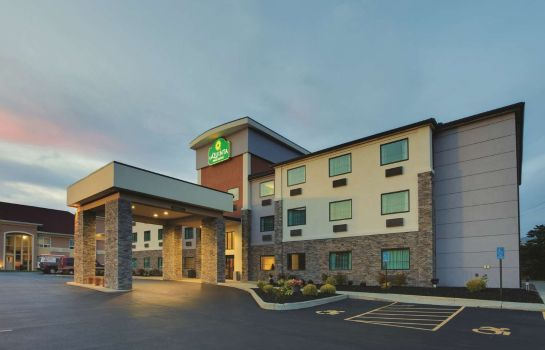 Vista esterna La Quinta Inn and Suites Batavia