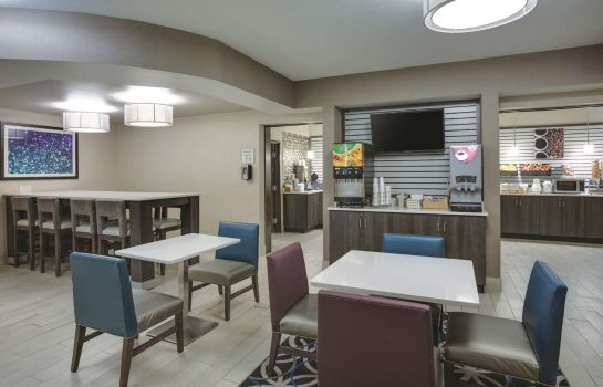 Ristorante La Quinta Inn and Suites Batavia