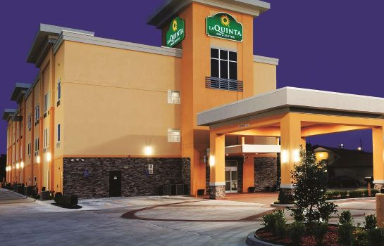 Buitenaanzicht La Quinta Inn and Suites Claremore
