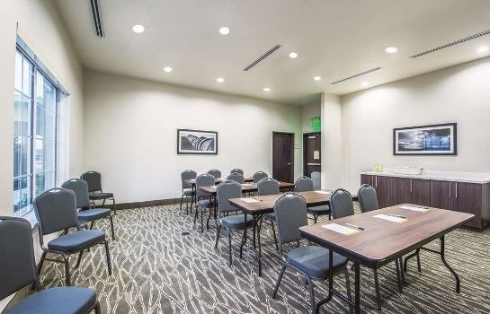 Conference room La Quinta Inn and Suites Enid