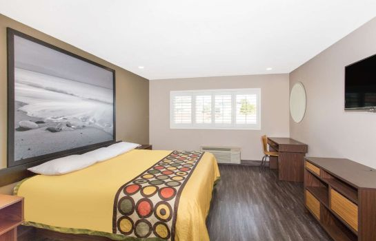 Kamers Super 8 by Wyndham National City Chula Vista