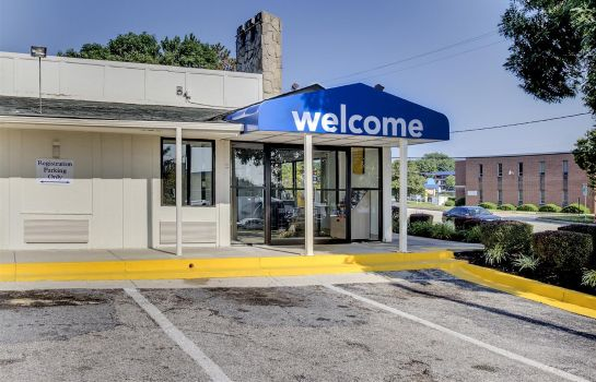 Exterior view MOTEL 6 BALTIMORE WEST