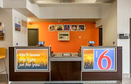 Hall MOTEL 6 BOZEMAN MT