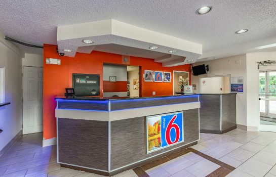 Hall de l'hôtel MOTEL 6 CHARLOTTE UNIVERSITY