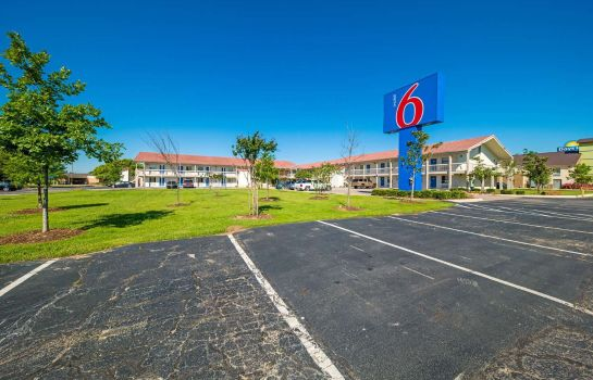 Buitenaanzicht Motel 6 Dallas - Farmers Branch