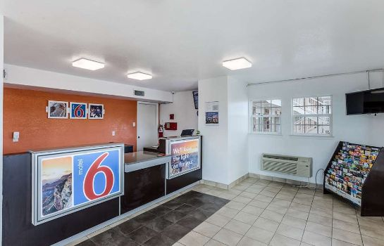 Lobby MOTEL 6 FORT WORTH - NORTHSIDE