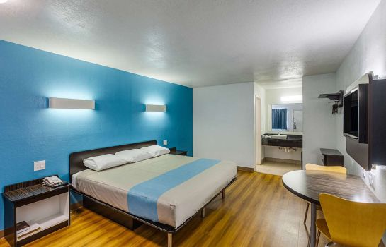 Zimmer MOTEL 6 FORT WORTH - NORTHSIDE