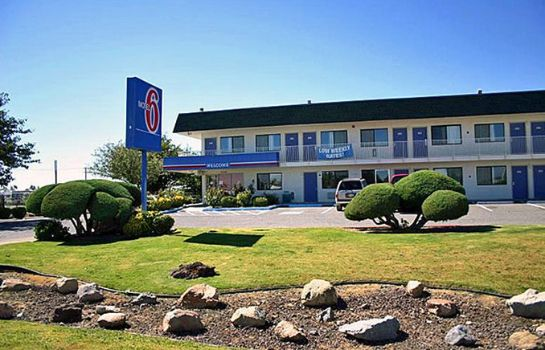 Exterior view MOTEL 6 DEMING