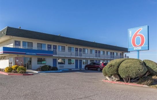 Buitenaanzicht MOTEL 6 DEMING