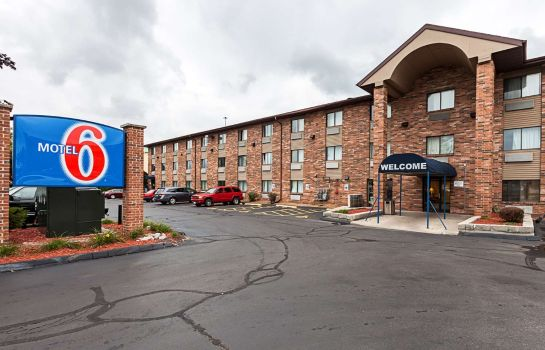 Exterior view MOTEL 6 GLENDALE